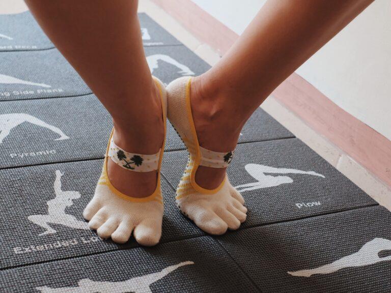 Toesox non-slip socks